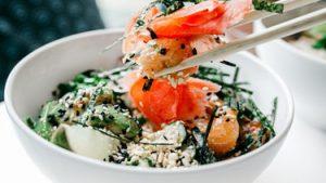 Thumbnail - Pokebowl recept: zalm en avocado